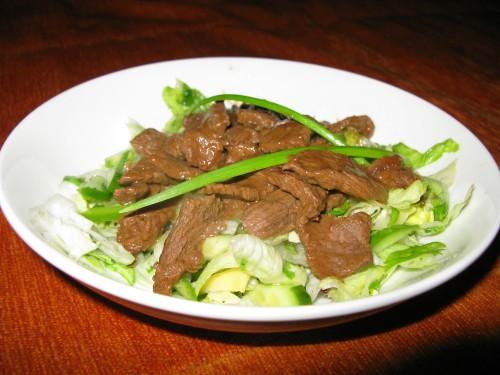 Siltie gaļas salāti